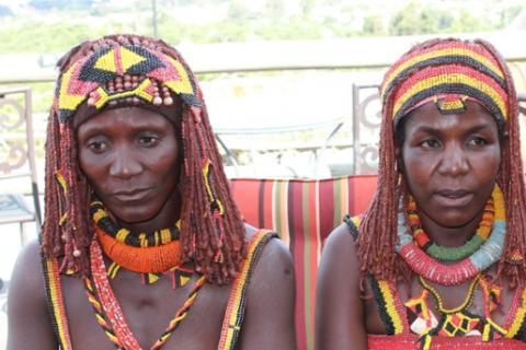 Huíla: Mulheres do sub-grupo etnolinguístico Ovamwila (Foto: Morais Silva)