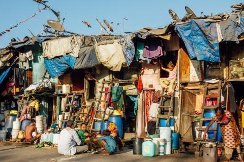 mumbia india slum