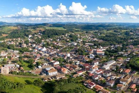Dans l'État brésilien de Santa Catarina, une agriculture fermière et artisanale coexiste avec une industrie agroalimentaire qui a dû diversifier ses activités pour maintenir leur compétitivité © Adobe Stock