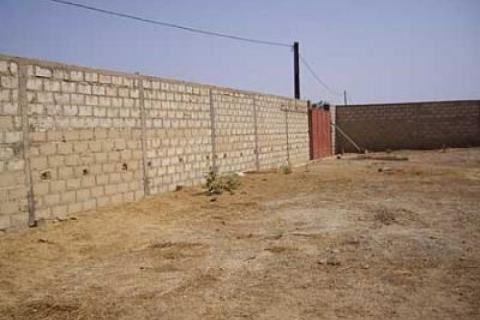 terrain-nu-700-m2-titre-foncier-a-fass-bien-place_1.jpg